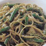 Linguine con fagiolini e patate al pesto di noci