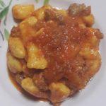 Gnocchi di patate con farina di ceci al ragù