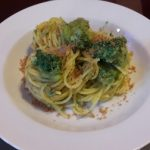 Bucatini con broccoletti e pane tostato